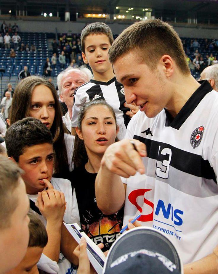 Bogdan Bogdanović surrounded by young fans after match (KK Partizan - Žalgiris Kaunas 77-67 04.04.2014)