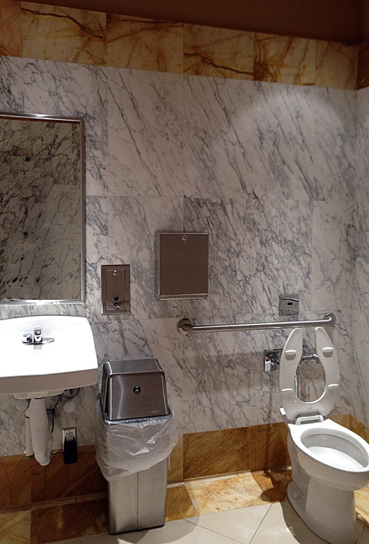 39 best images about bagni in pietra on pinterest un travertine and travertine bathroom - Piatto doccia triangolare ...