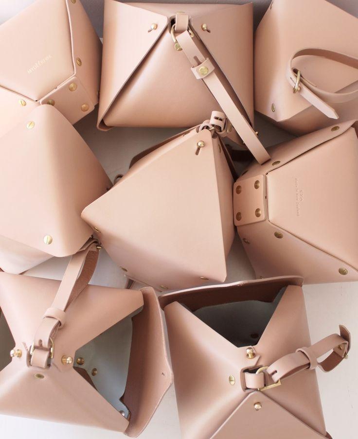 MYDEERFOX diamond bag http://shop.mydeerfox.com/