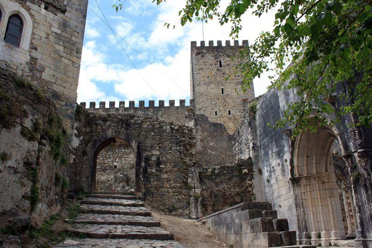 Castelo de Leiria (interior)   Flickr - Photo Sharing!
