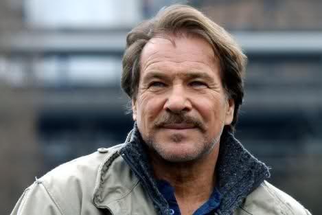 Götz George (* 23. Juli 1938 in Berlin; † 19. Juni 2016) war ein deutscher Schauspieler. Große Popularität erlangte George in Deutschland als Duisburger Kommissar Horst Schimanski in der Krimireihe Tatort
