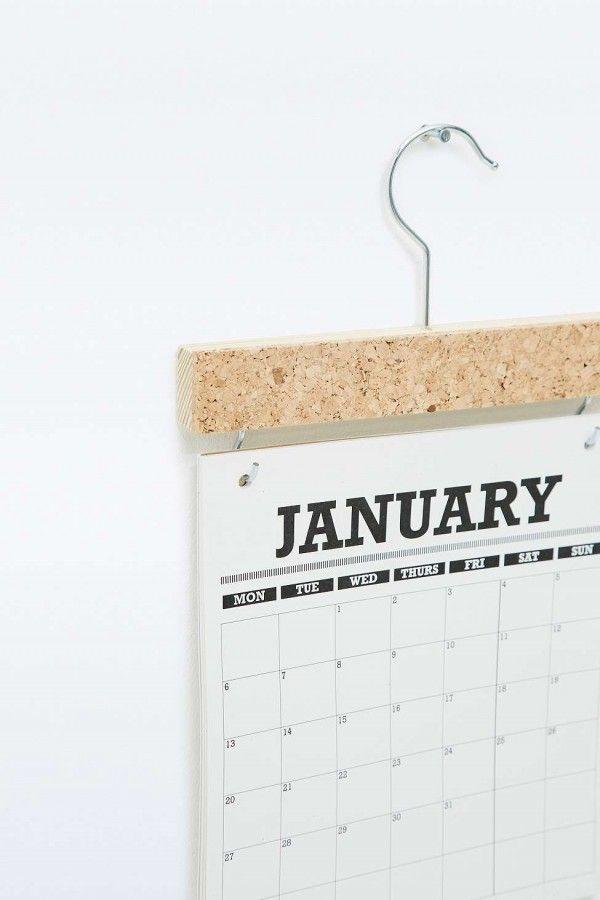 Calendrier 2016 Witshop  http://www.homelisty.com/21-calendriers-deco-design-pour-2016/