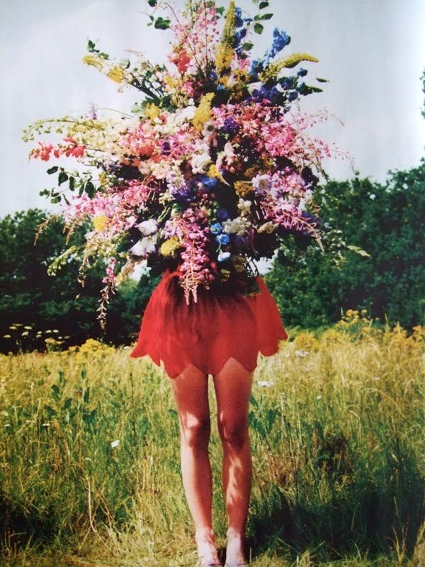 i want this to be me.. heading home with my giant bouquet of wildflowers :)