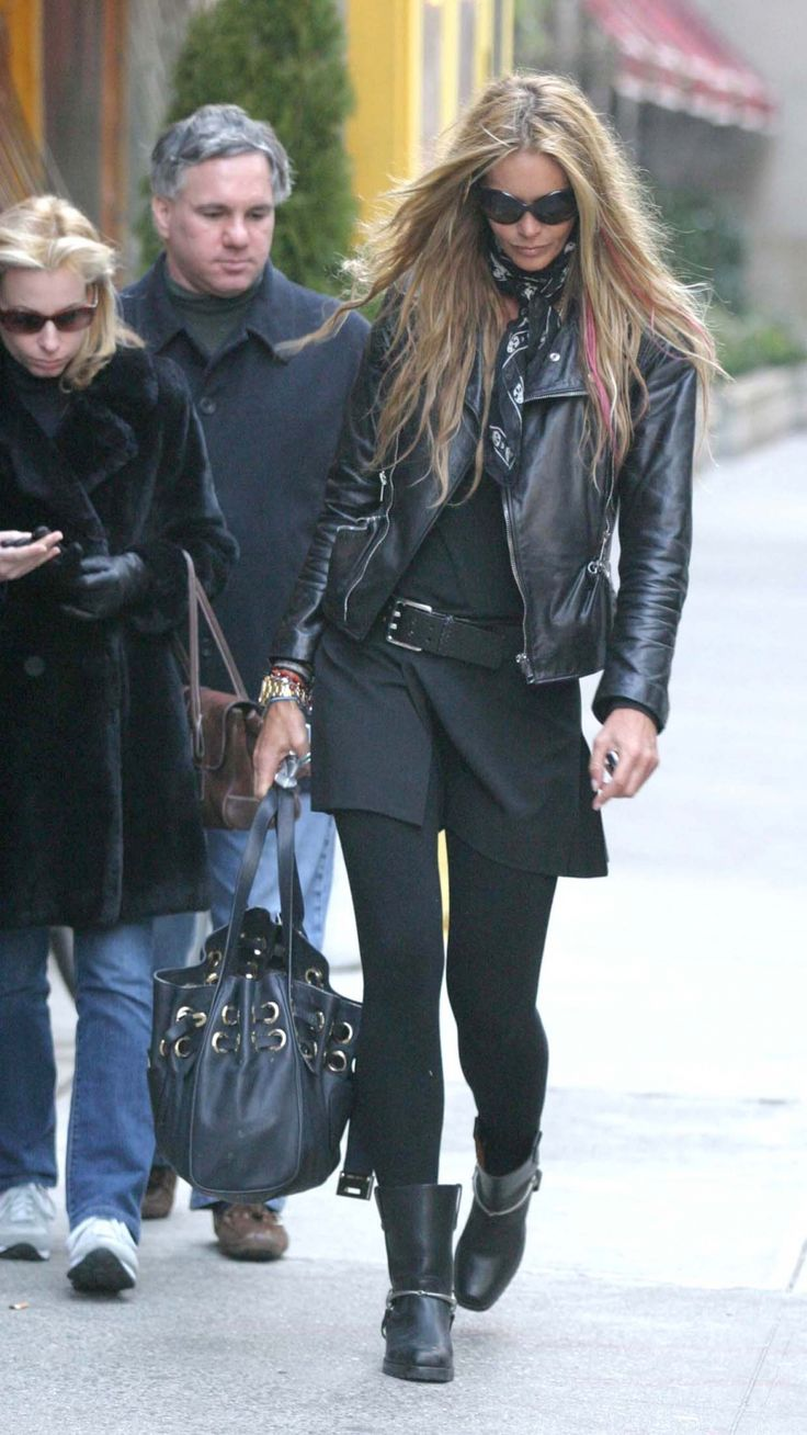 yeah ...my other side .I LOVE this look !! Elle Macpherson with pink extensions