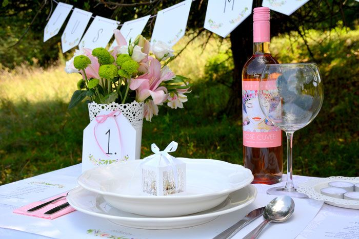 akvarell virágok, esküvői arculat minták, meghívó, ültetőkártya, menülap