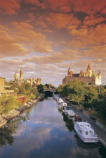 Rideau Canal, Ottawa, Ontario, Canada | by The National Capital Commission, via Flickr http://awesome-canada.com/ #Ottawa #Canada