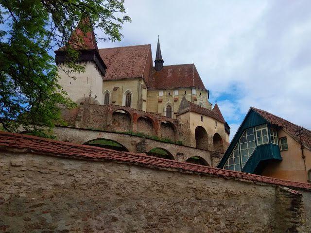 Mr. Out of Office: Biserica Fortificată de la Biertan (din Sibiu)