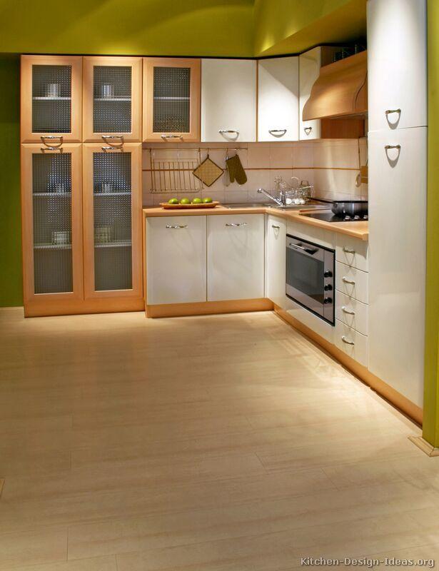 Modern Two-Tone Kitchen Cabinets #02 (Kitchen-Design-Ideas.org)