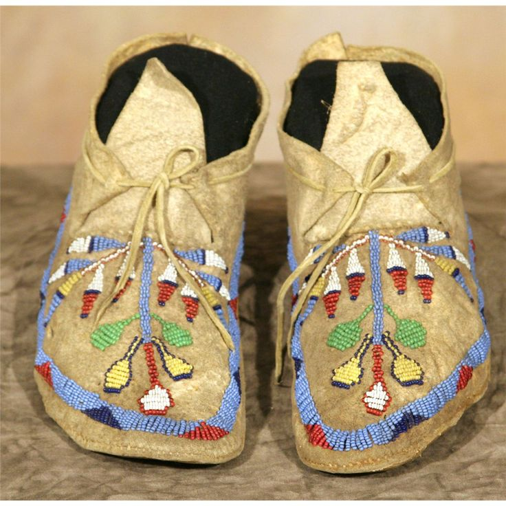Santee Sioux Beaded Child's Moccasins.   → For more, please visit me at: www.facebook.com/jolly.ollie.77