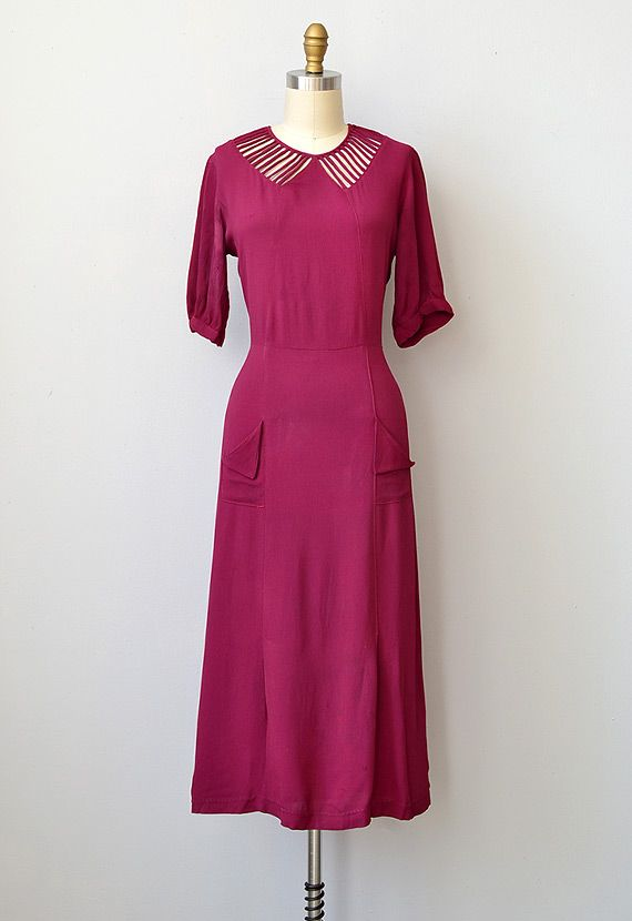 Vintage 1930s cranberry silk rayon illusion collar dress. #vintage #1930s #fashion