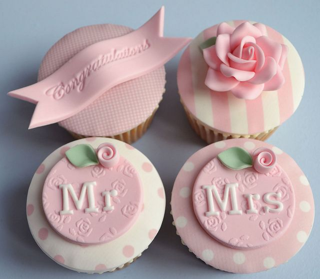 Vintage cupcakes for a newly married couple by Little Paper Cakes, via Flickr