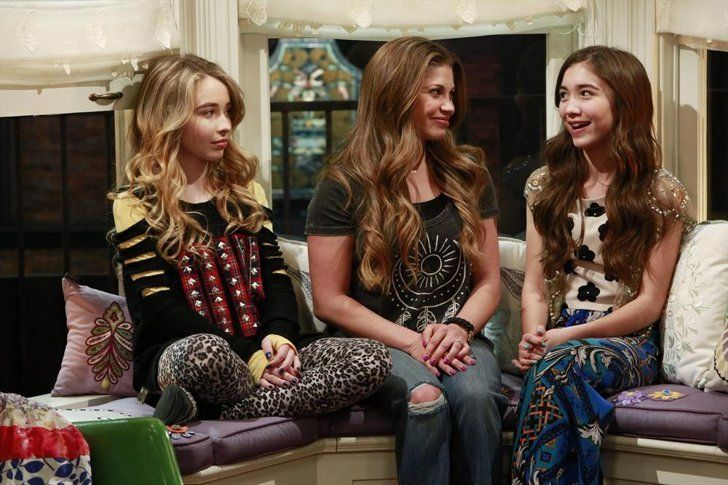 Pin for Later: I Watch Girl Meets World and I'm 27 Years Old Rowan Blanchard Can Carry the Show