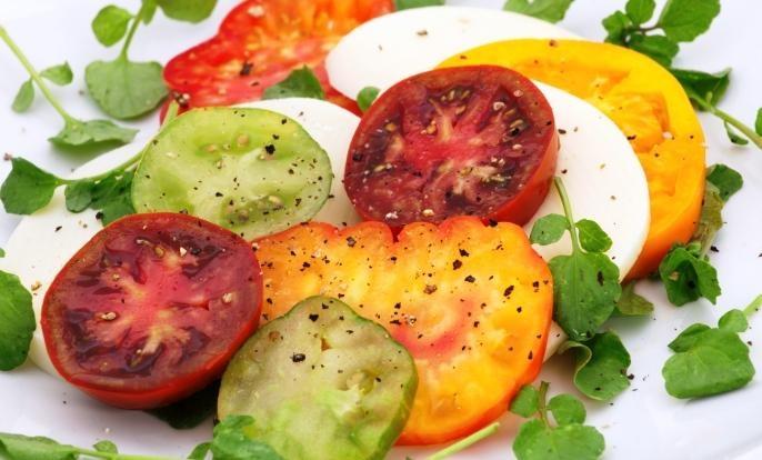 Tasteless Tomatoes Explained | Wellness TimesRipe Tomatoes, Tasteless Tomatoes, Edible Gardens, Tomatoes Explain, Tomatoes Salad, Tomatoes Plants, Allotment Gardens, Heirloom Tomatoes, Well Time