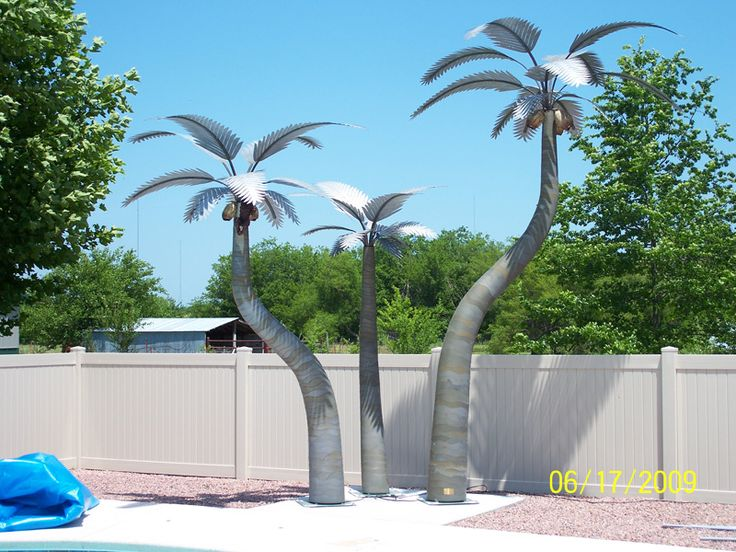 Custom Designed Metal Palm Trees For Your Home And Business