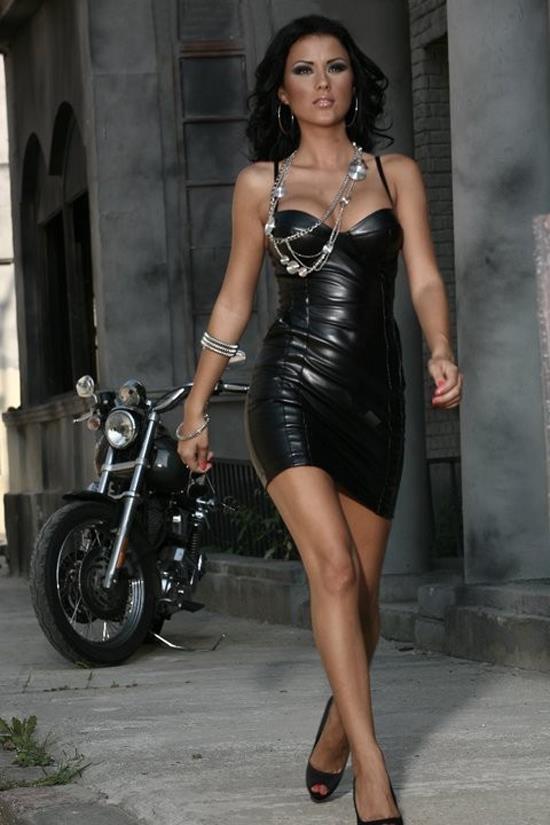 Daniela crudu in playboy - 1 2