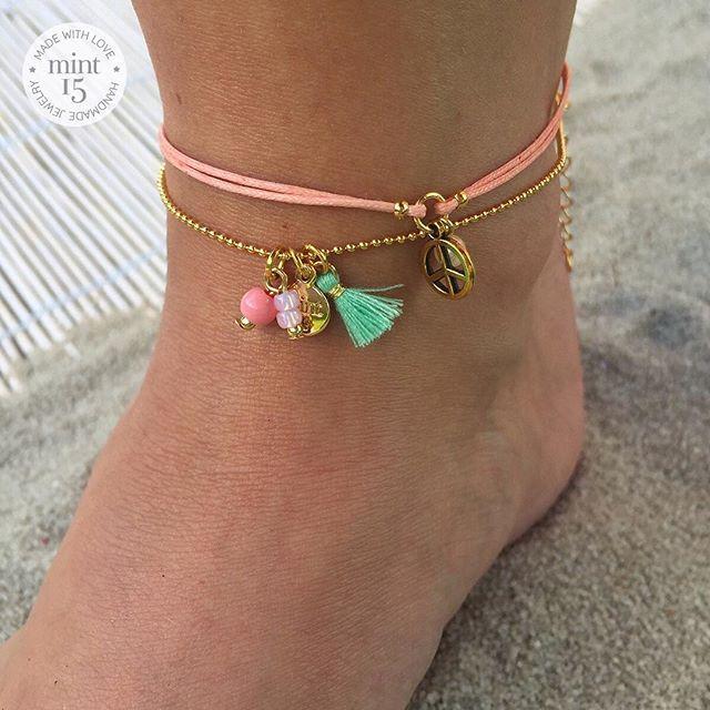 Mooi weer, dus tijd voor enkelbandjes ☀ Hebben jullie onze collectie al gespot? ♡ | www.mint15.nl ----- #enkelbandjes #anklebracelets #anklechain #sieraden #jewelry #handmade #summercollection #zomercollectie #bijoux #jewellery #springsummer #beachproof #ibiza #beach #beachjewelry #ibizajewelry #beads #tassel #mint #pastel #handmadejewelry