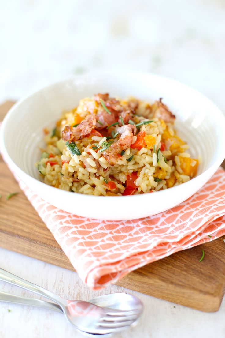 Pompoenrisotto > risotto rijst, pompoenstukjes, bouillon, kaneel, komijn, courgette, ui, knoflook