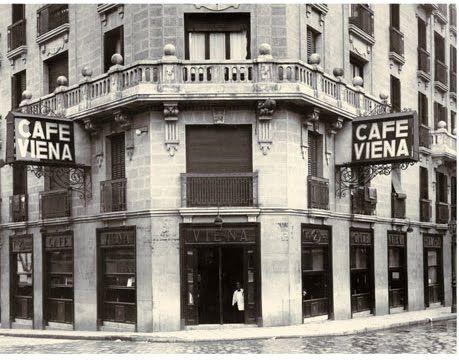 Café Viena Capellanes. Calle Luisa Fernanda, 23