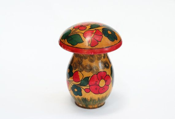 Vintage wooden moneybox with traditional ukrainian by OnlyUSSR, $19.00