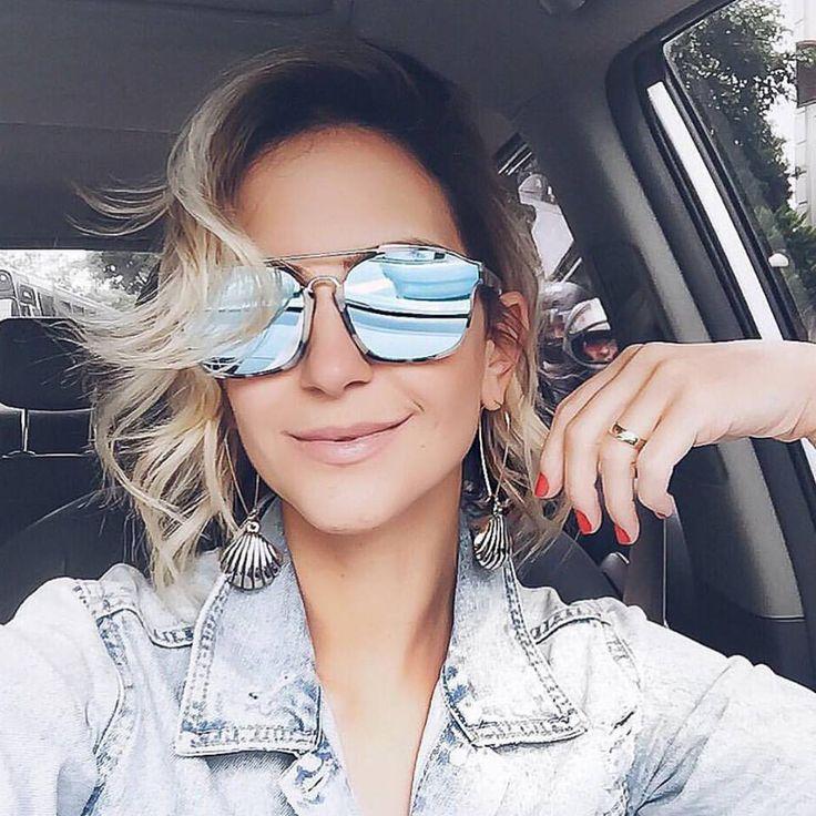 A #blogger #lilipaiva escolheu a #cor #azulboreal para seus novos óculos da…