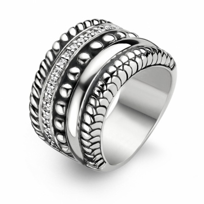 I love the terra collection from Ti Sento. #ring