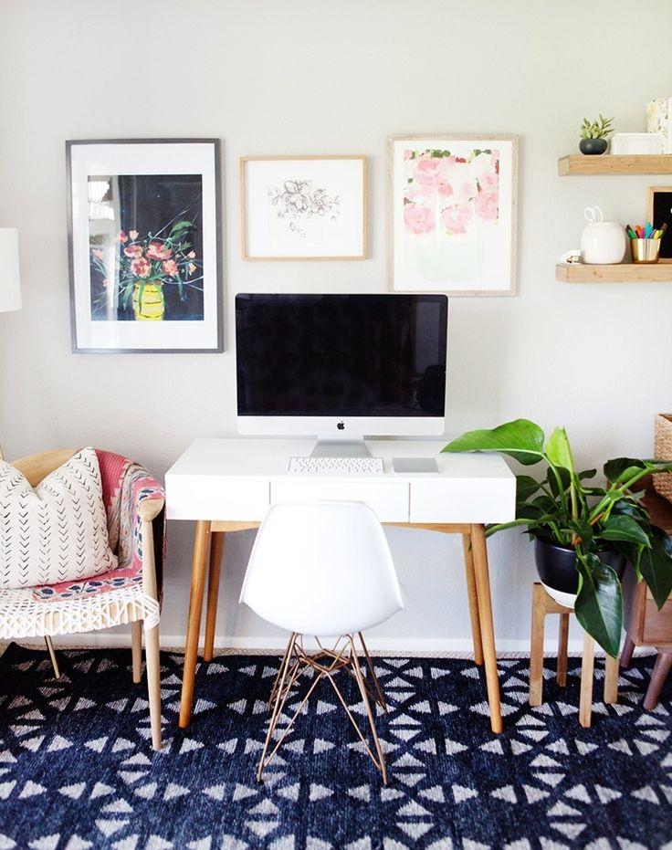 Очень важно иметь место в доме, где вы можете обдумать новые идеи или поработать в спокойной обстановке. Советы, как оформить красивый рабочий интерьер дома, читайте здесь: https://abbigli.ru/blog/kak-krasivo-oformit-rabochee-mesto-doma #хобби #креатив #идея #вдохновение #Abbigli #декор #интерьер #дом #офис #дизайн #идея #комната #кабинет #пространство