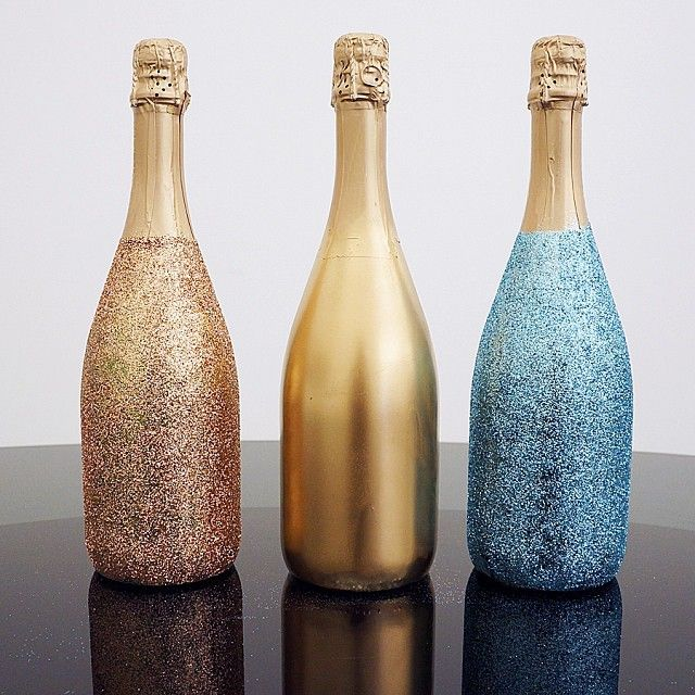 DIY Sparkle Champagne Bottles #NewYears