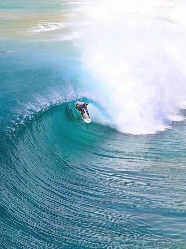 Surf Browsing On Surfer Surfers Waves Large Waves Barrel Barrels Barreled Covered Up Ocean Big Wave Surfing Surfing Waves Surfing