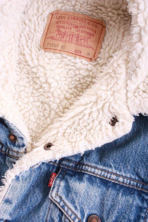 denim jacket with wonderful warm cream faux-sheepskin lining - 80's levi