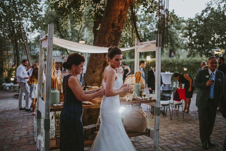 📍Hacienda del Álamo-Málaga. Foto: Luis Tenza. vestido: Ada Novias-Malaga