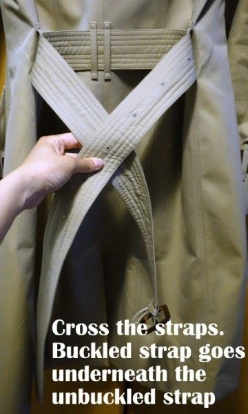 HOW TO TIE A CLASSIC BURBERRY KNOT IN YOUR TRENCH – ORIGINAL VERSION