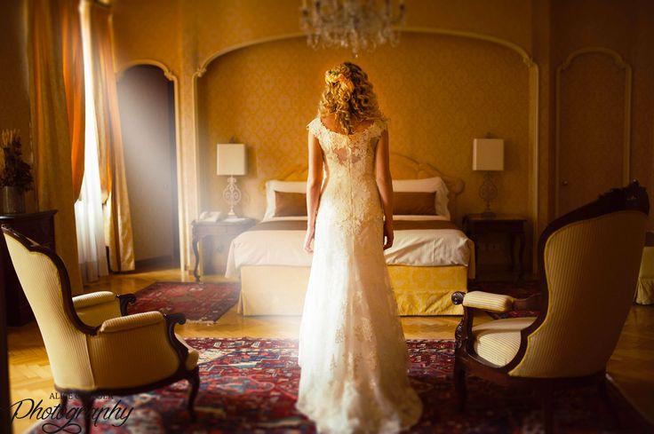 Fabulous shoot #bride #moment #weddingdress #lace #flowercrown #weddingday | @AliceCoppola Photographer
