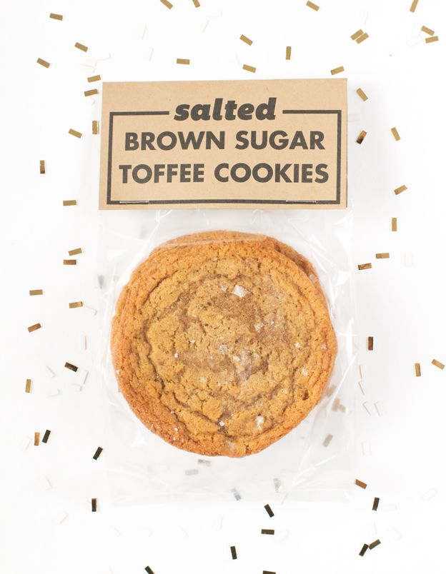 Salted Brown Sugar Toffee Cookies and Printable // Wit & Vinegar: Brown Sugar, Chocolates Chips Cookies, Ice Cream Sandwiches, Bloggers Cookies, Basic Cookies, Work Gifts, Toffee Cookies, Salts Brown, Sugar Toffee