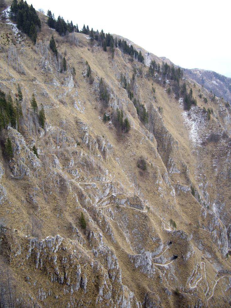 Sentiero 153 - massiccio del Grappa (Italy)