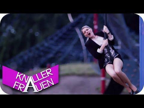 Seilbahn-Spaß - Knallerfrauen mit Martina Hill in SAT.1 - YouTube