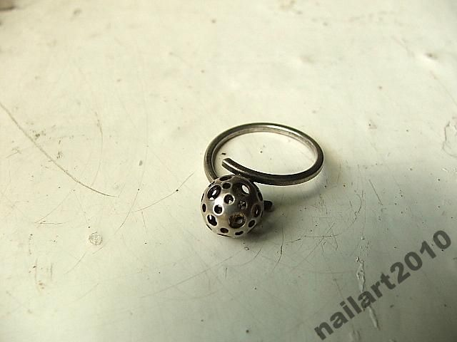 stary srebrny pierścionek srebro kopułka kula
