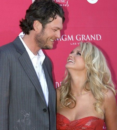 "Blake Shelton and Miranda Lambert.  One of country music's charismatic couples we love to watch is Blake Shelton and Miranda Lambert. They dated for five years before becoming hitched in Boerne, Texas on May 14, 2011. The two consider their spread in Johnston County, Oklahoma home and recently organized the ""Healing in the Heartland"" benefit concert held for the victims of the Moore, Oklahoma tornado on May 29, 2013."