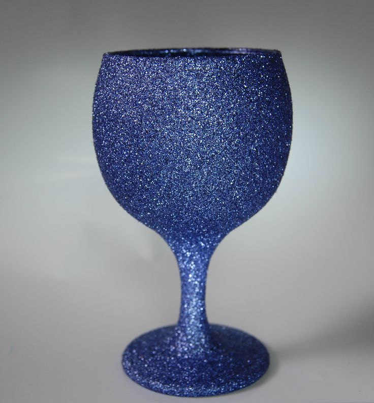 High quality short stem wine glass fully glittered.  Choose your preferred glitter colour using the colour chart within the profile pictures album. Simply click the picture to open the full chart.  Cost: £5.00 per glass. Pinterest Special Offer: Buy 4 glasses for just £17.00.  Shipping within UK: £5.00 flat rate up to 6 glasses.