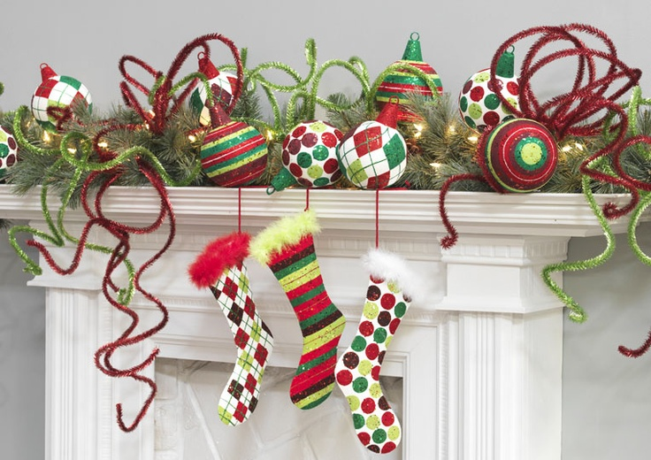 Decorated Mantles: Count Down To Christmas