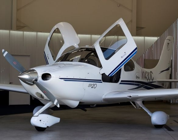2003 Cirrus SR20 for sale in Torrance, CA USA => http://www.airplanemart.com/aircraft-for-sale/Single-Engine-Piston/2003-Cirrus-SR20/10023/
