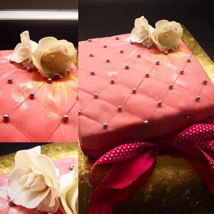 Torta Rose trapuntata