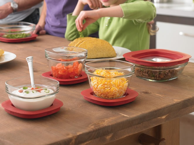 Rubbermaid glass containers with easy find lids. WANT. $25.99 at Rubbermaid. Want want wantwantwantwanwawwww