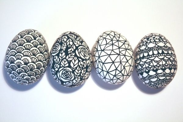 œufs-de-Pâques-crayon-feutre-noir