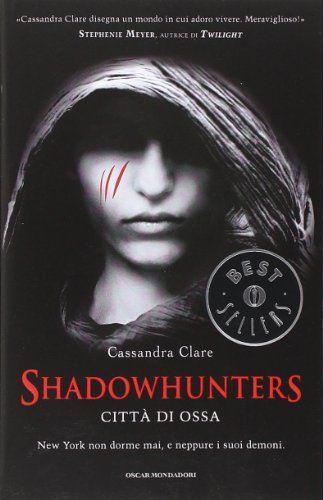 Città di ossa. Shadowhunters di Cassandra Clare http://www.amazon.it/dp/880460171X/ref=cm_sw_r_pi_dp_b3vDvb0Y86EVA
