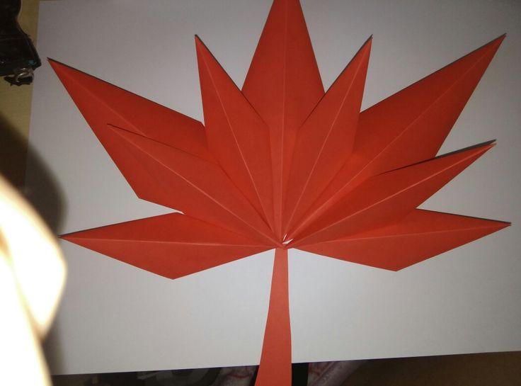 jesenne listy . skladanie z papiera velmi jednoduche a pekne. 3D efekt