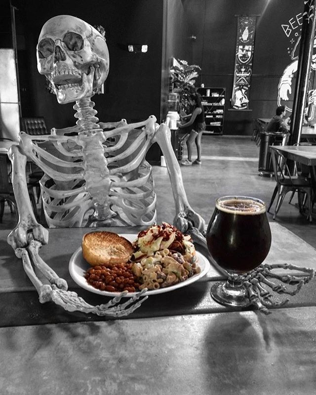 Food to die for. @just_alittle_smoke serving ol fashion BBQ pulled pork sandwiches all night! Pair it up a tulip of our FREEDOM! Strong Scotch Ale. 7.9% ABV. #aplagueofflavor . . . . . . . #sandiegobeer #oceansidebeer #vistabeer #indiebeer #sdbeer #craftbeer #sandiego #sandiegoconnection #sdlocals #sandiegolocals - posted by Black Plague Brewing 💀 https://www.instagram.com/blackplaguebrewing. See more San Diego Beer at http://sdconnection.com