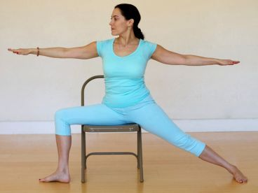 A simple chair yoga technique to relieve neck and shoulder for Chaise yoga
