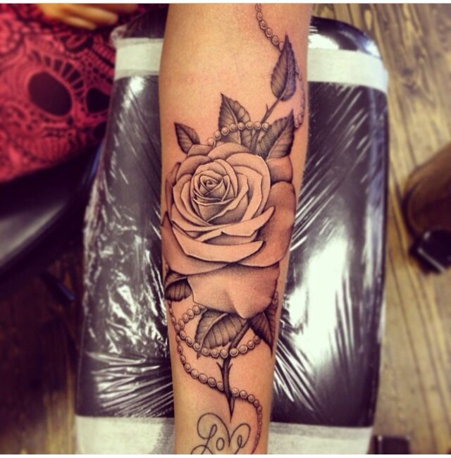 Carolines Rose! Tolles Tattoo.