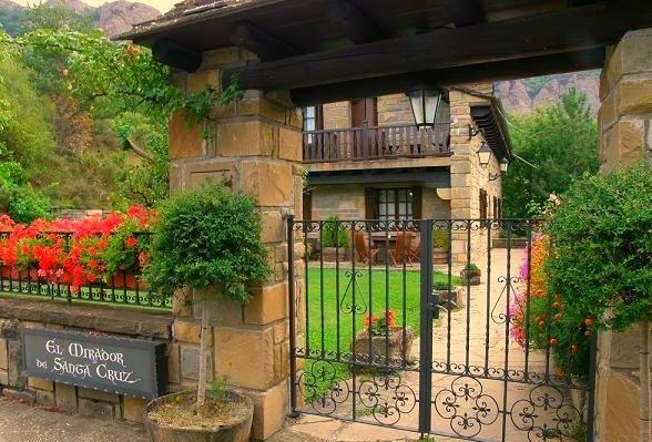 El Hotel Rural Spa El Mirador de Santa Cruz, en Santa Cruz de la Serós (Pirineo Aragonés)