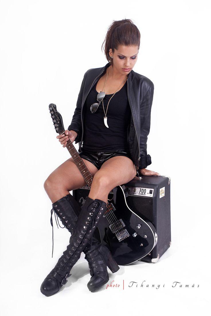 Rock'N'Roll, sexy girl, electric guitar